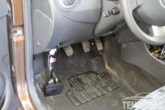 Dacia-Duster-2013-Tempomat-beszerelés-AP900_03