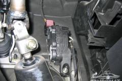 Nissan-Almera-Tempomat-beszerelés_05
