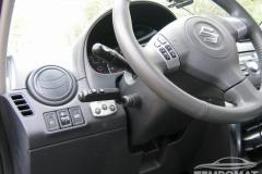 Suzuki SX4 - Tempomat beszerelés CM19-es kezelővel és CM8-as sebességmemória modullal_03