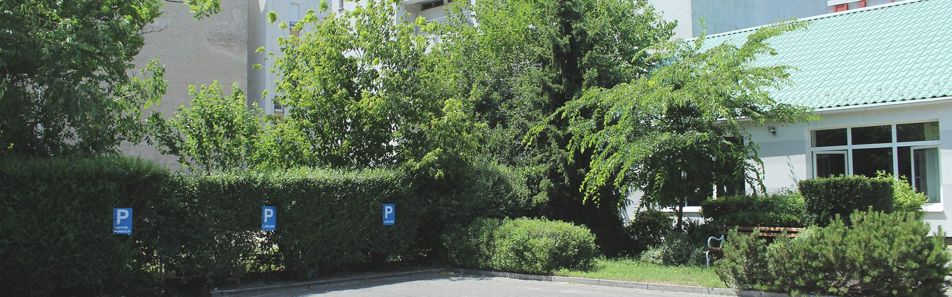 Dover Kft parkolási lehetőség