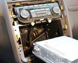 Bluetooth kihangosító beszerelése