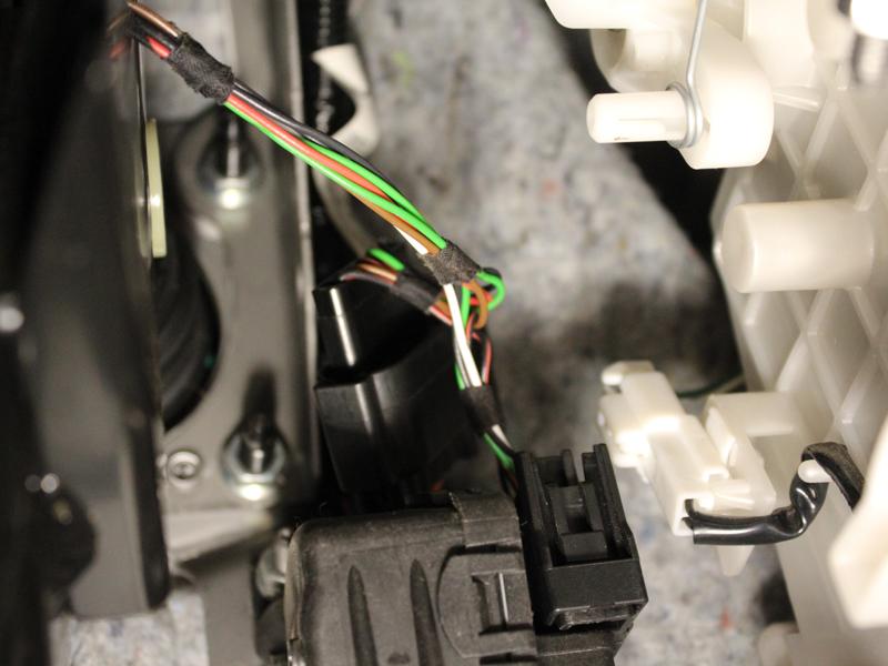 Mazda 3 2009 - Tempomat beszerelés (AP500)_02